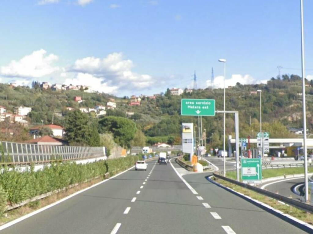 Il raccordo della A15 all'altezza dell'area di servizio Magra Est