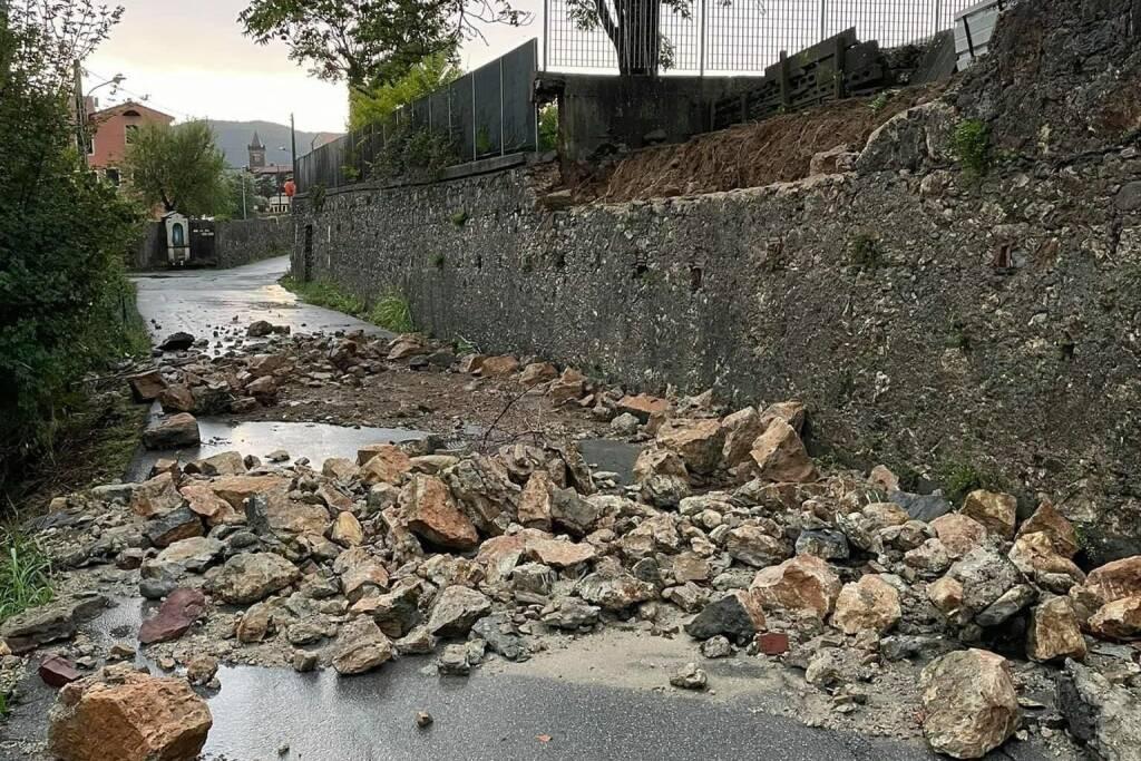 Muro franato in via Bradia a Sarzana