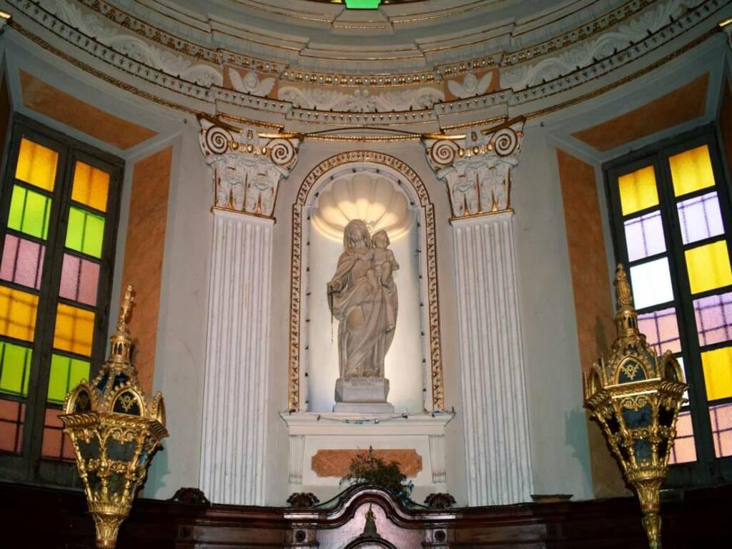 Carro, Castello, chiesa di San Giorgio, statua seicentesca (foto Giorgio Pagano) (2021)