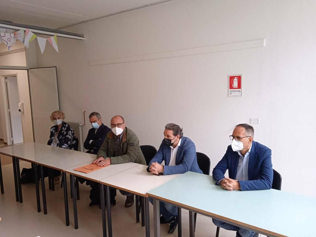 Conferenza stampa alle scuole medie di Castelnuovo
